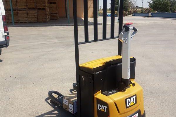 TRANSPALETA ELECTRICA CAT MODELO NPP18 VEYMACAR